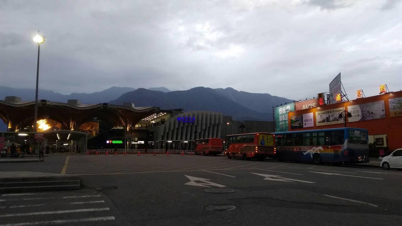 花蓮車站外觀。記者余衡/攝影