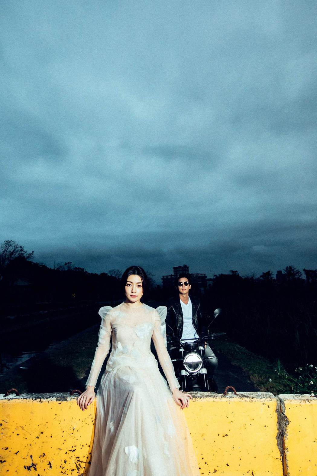 柯有倫和老婆Donna婚紗照浪漫唯美。圖/林莉婚紗提供