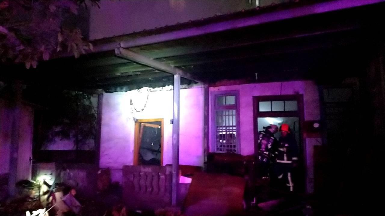 台中市清水區今晚發生住宅火警,造成1死1傷。記者余采瀅/翻攝