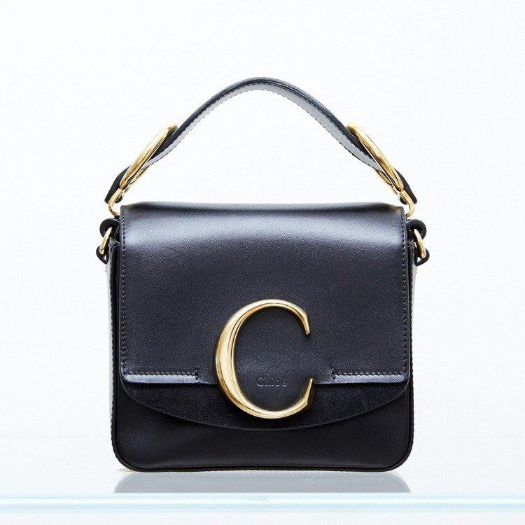 孫芸芸使用款Chloé C Mini黑色肩背手提兩用包,售價44,400元。圖...