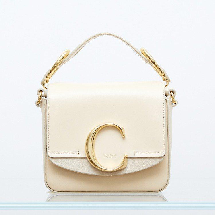 Chloé C Mini米白色肩背手提兩用包,售價44,400元。圖/Chlo...