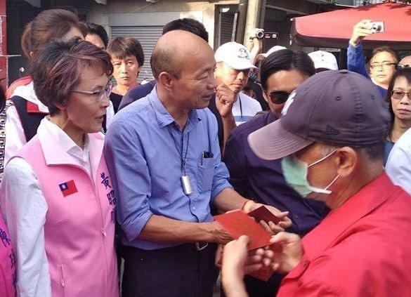 立委黃昭順(左一)看立委補選結果,認為韓流並沒有退燒。圖/立委黃昭順服務處提供