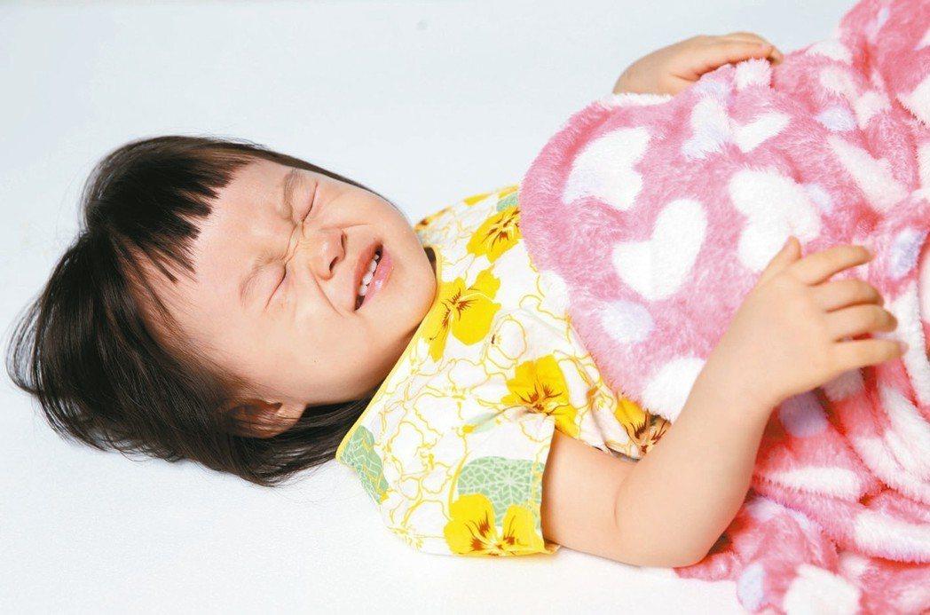 寶寶從六個月大至四歲習慣咬東西,常不小心吞入異物造成傷害。 本報資料照片