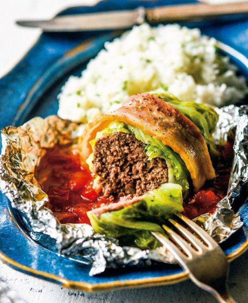 蒸烤高麗菜卷。 圖/皇冠提供
