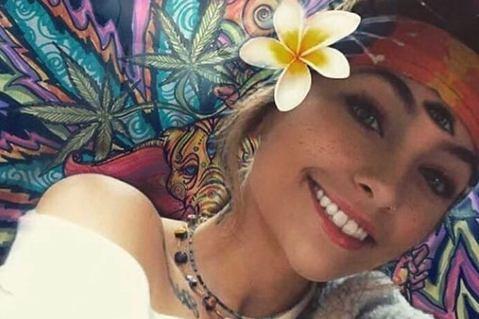 已故流行樂天王麥可傑克森(Michael Jackson)的女兒芭莉絲(Paris Jackson)今天駁斥她企圖自殺的傳聞,在推特飆髒話攻擊「滿口謊言的人」。八卦網站TMZ率先發布報導說,20歲、...