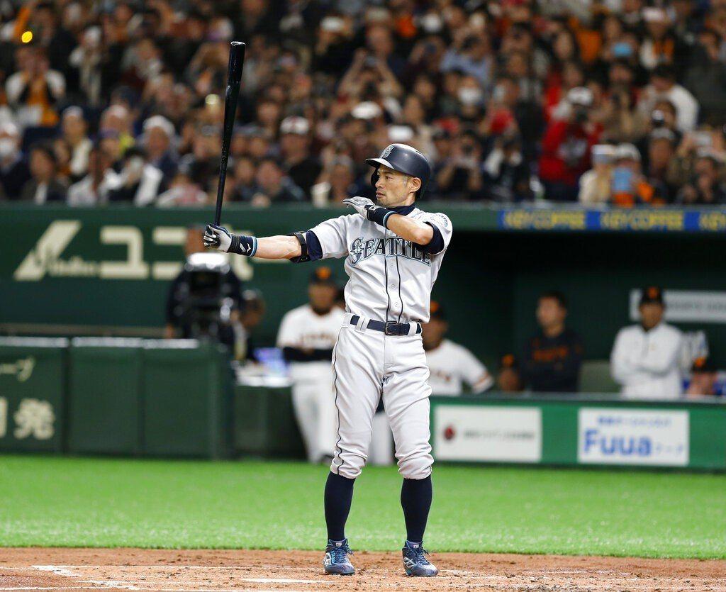 賽後鈴木一朗稱讚球場氣氛棒,球迷素質高。 美聯社