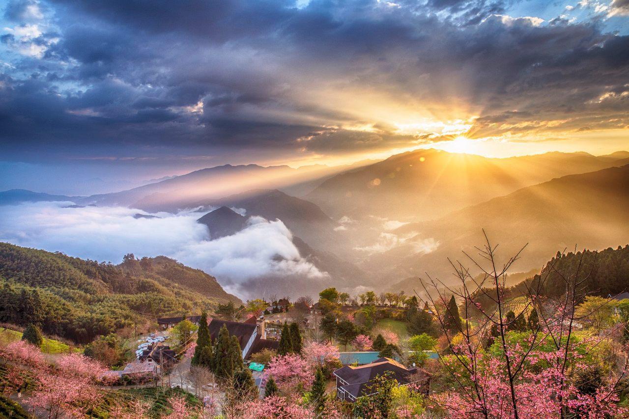 圖/新竹五峰山上人家頗具盛名,尤其是雲海環繞的日出,深受攝影玩家喜愛。網友曾信裕...