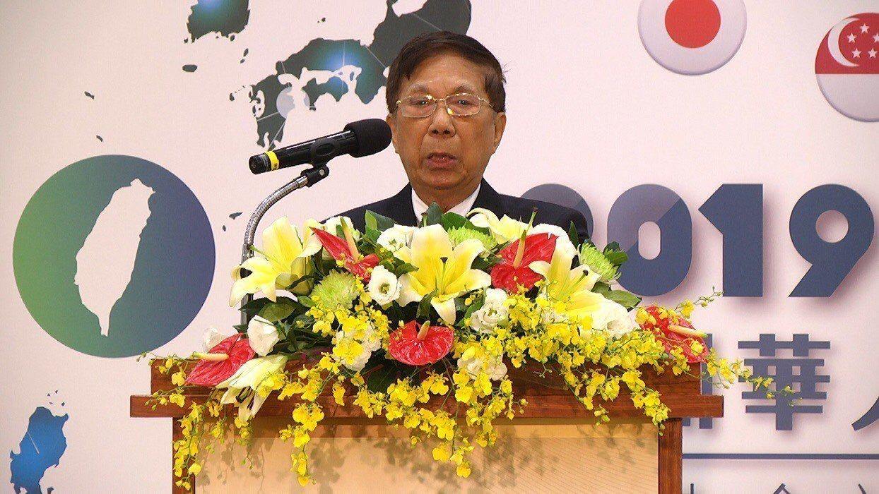 該年會主席團主席新加坡代表鍾仕達表示各國代表將做政府最有力的後盾。圖/僑委會提供