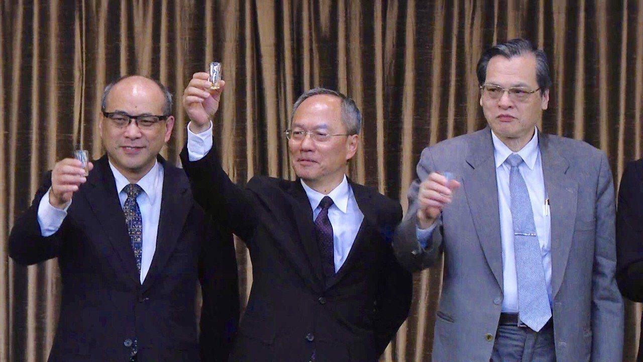 僑委會晩宴歡迎亞洲12國百位亞洲華人團體會議僑界領袖共商國是。圖/僑委會提供
