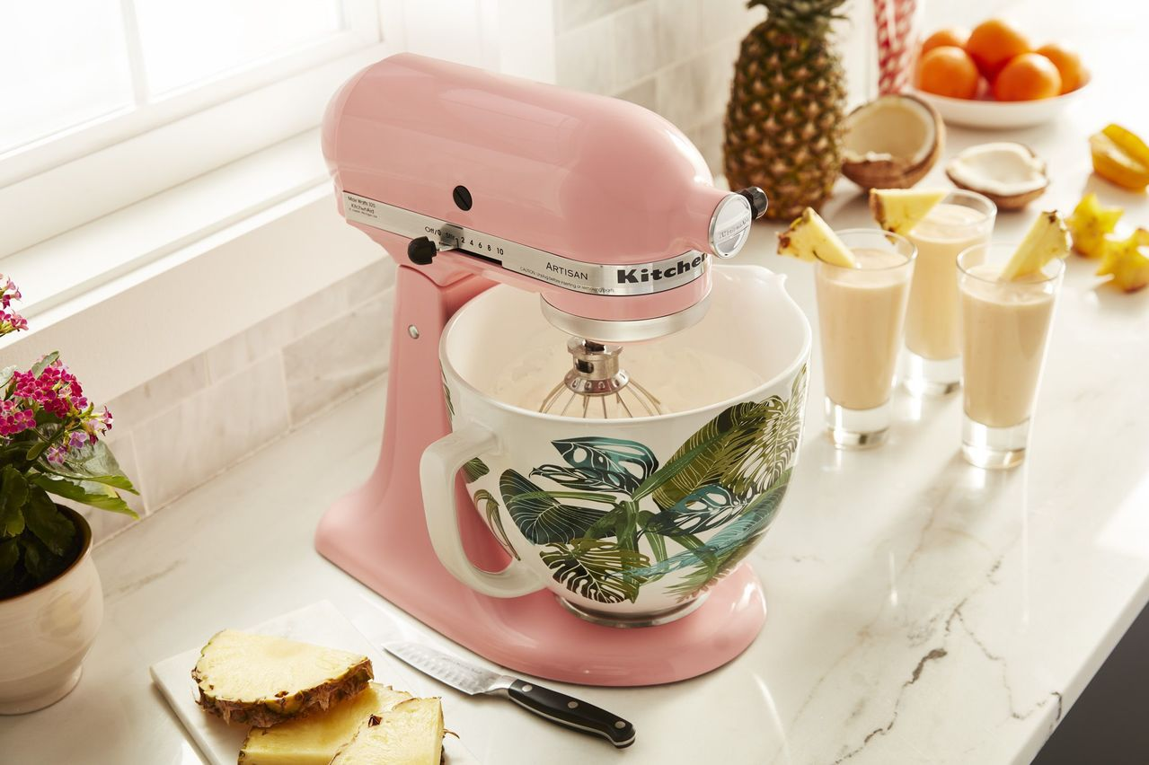 歡慶品牌百年,KitchenAid推5Q抬頭式桌上型攪拌機百年限定新色與彩繪陶瓷...