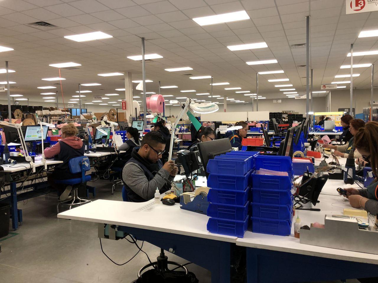 圖為事欣科墨西哥新廠中墨西哥員工工作狀況。 記者謝艾莉/攝影