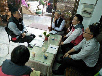 台中市勞工局啟動退休高手輔導平台,回業界分享經驗。圖/台中市勞工局提供