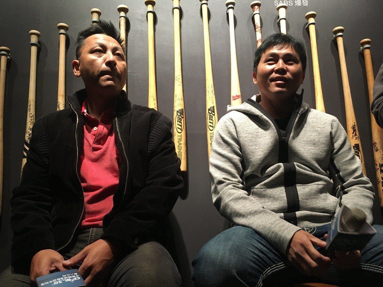 昔日興農牛隊投捕搭檔蔡仲南(左起)、葉君璋。記者葉姵妤/攝影