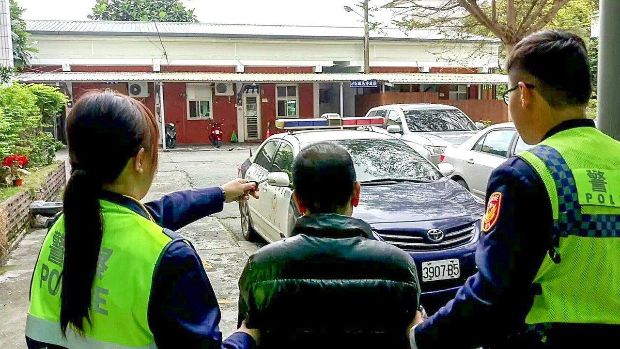 花蓮63歲張姓老翁為長期毒品列管人口,本月13日晚間被警方攔查逮捕。圖/警方提供