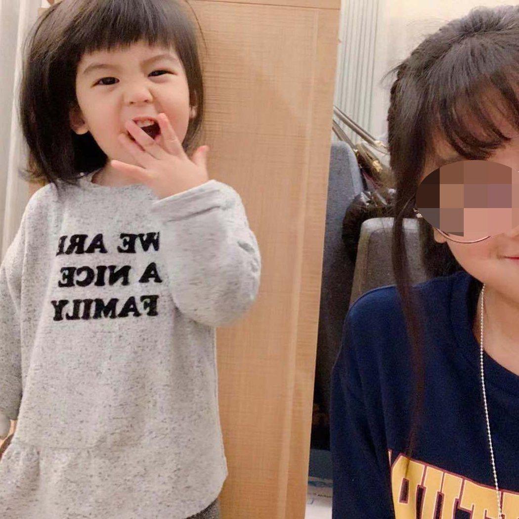 梧桐妹(右)與妹妹Bo妞(左)。 圖/擷自梧桐妹IG