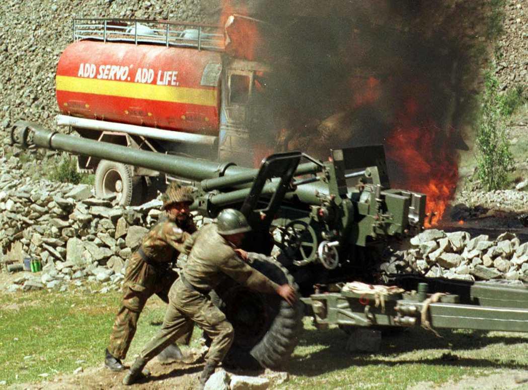 但兩國領袖簽署《拉合爾宣言》後沒多久,馬上爆發卡吉爾戰爭(Kargil War)...