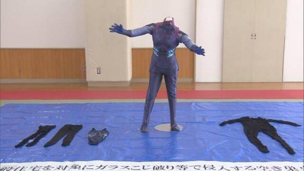 藤澤哲也行竊服裝。圖/NHK