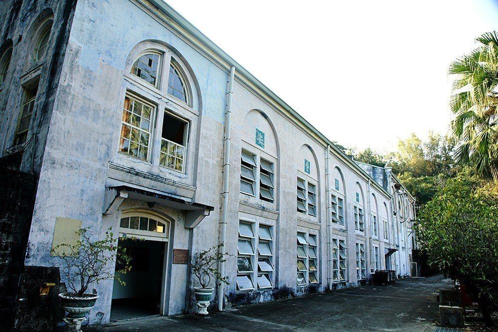 竹子門電廠仿巴洛克式廠房建築,是百年工業古蹟。 (攝影/曾信耀)