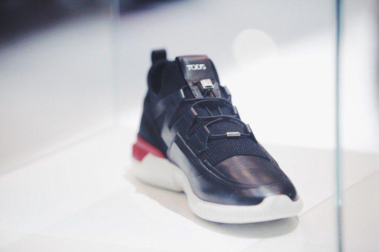 TOD'S No Code X Qooder系列鞋款。圖/迪生提供