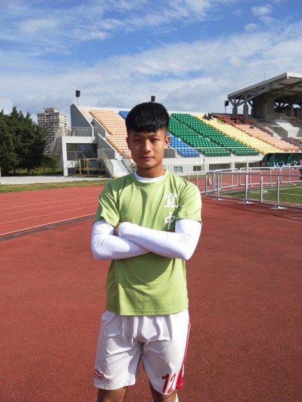 就讀宜蘭高中體育班的蘇喜安,透過繁星推薦錄取國立台北教育大學體育學系,他表示雖然...