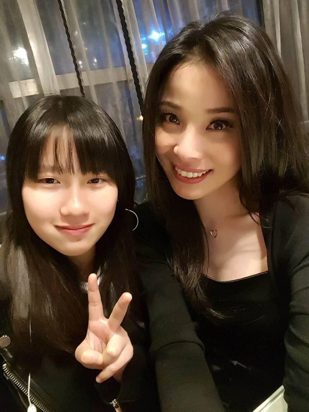 呂文婉(右)及女兒。圖/呂文婉提供