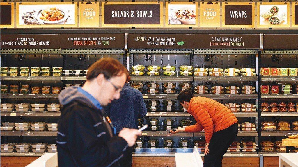 根據調查,偏愛在實體店面購物的消費者比率回升。美聯社
