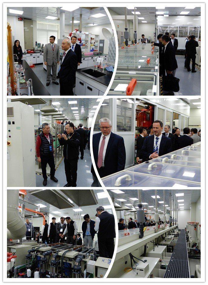 台灣麥德美技術研發應用中心建置完善的分析設備及產線,在專人引導解說下,來賓均仔細...