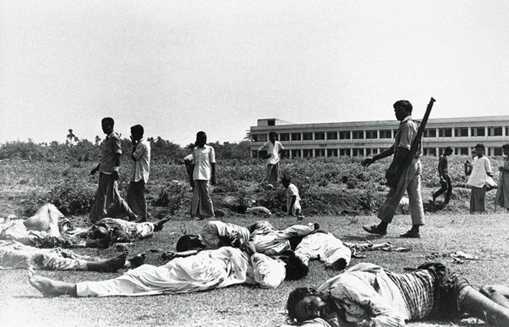 諷刺的是,貝岡爸爸正是為了躲避(英國難辭其咎的)孟加拉獨立戰爭戰火,才在七零年代...