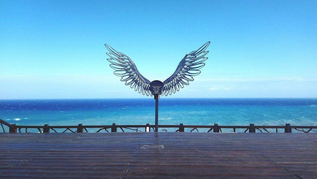 圖/天使翅膀,熱門IG打卡點 。截自向陽薪傳木工坊 粉絲頁。