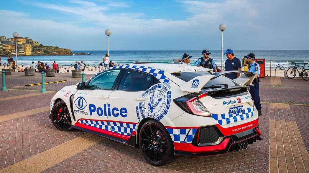 Honda Civic Type R 可以說是澳洲新南威爾斯警察部門的親善大使。...