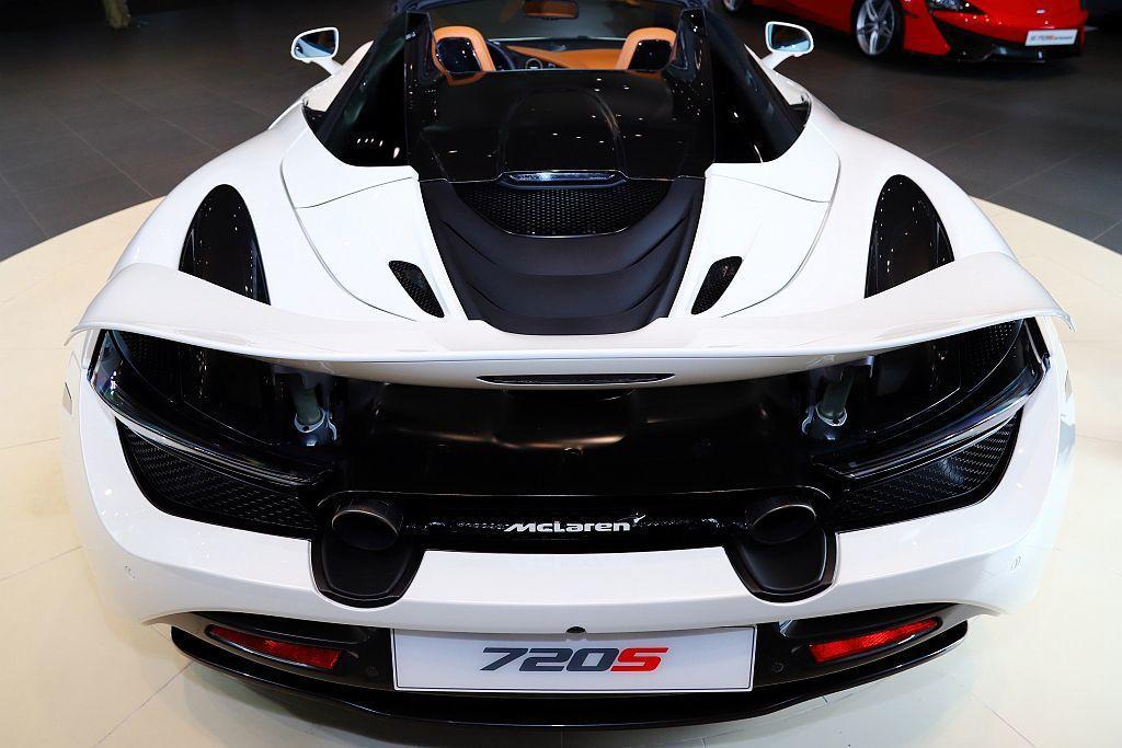 McLaren 720S Spider搭載4.0L V8雙渦輪M840T引擎,可...