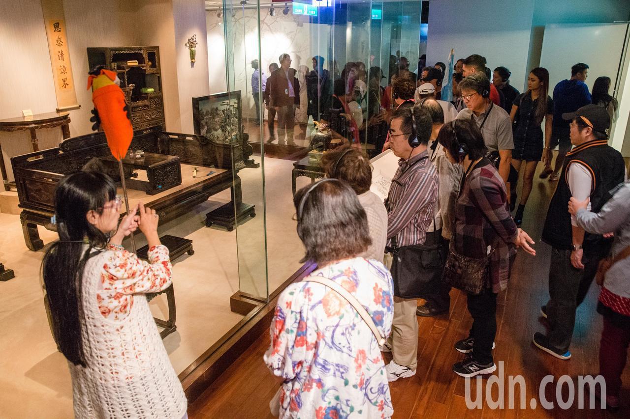 新故宮計畫預計4月底辦公聽會,圖為台北故宮博物院展覽區人潮。本報資料照片