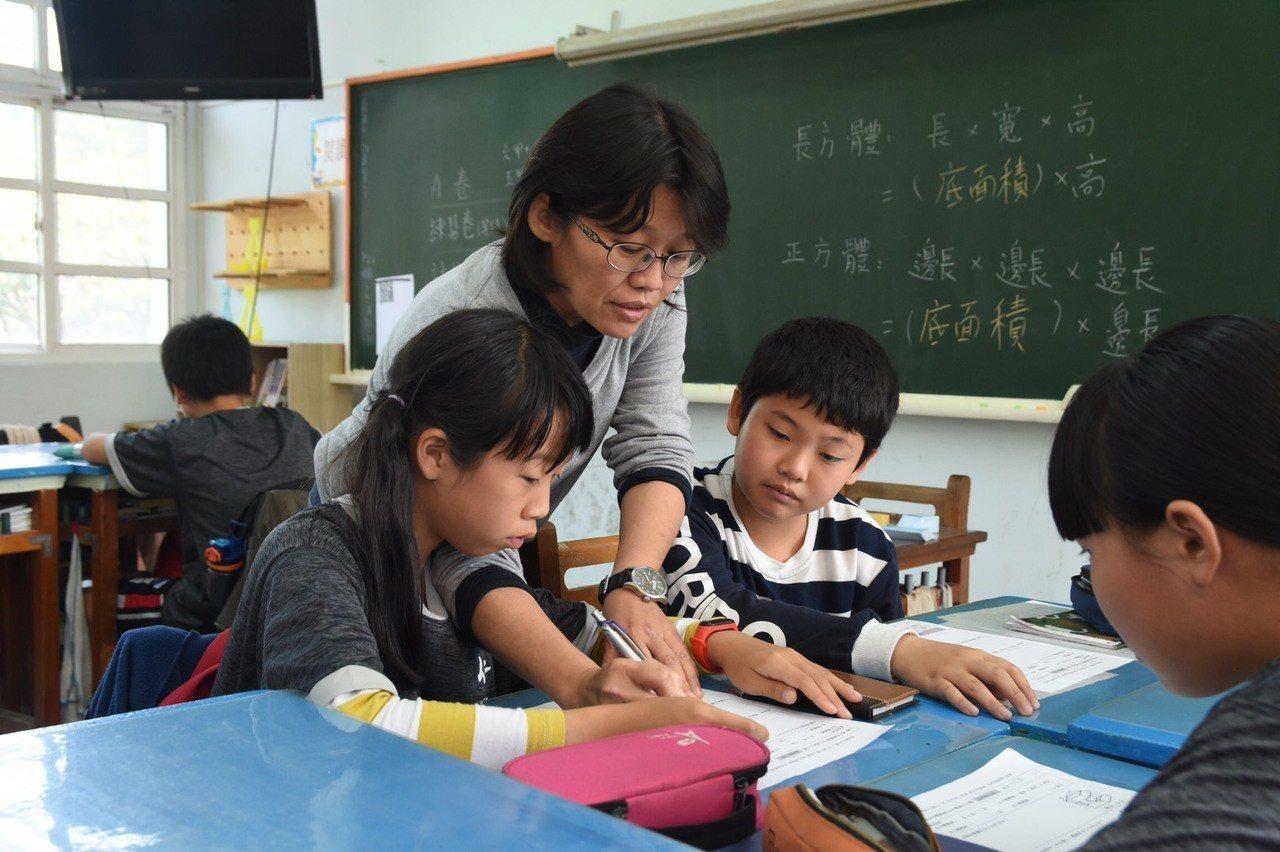 仁和國小跨年級教學公開觀課研討會。圖/教育部提供