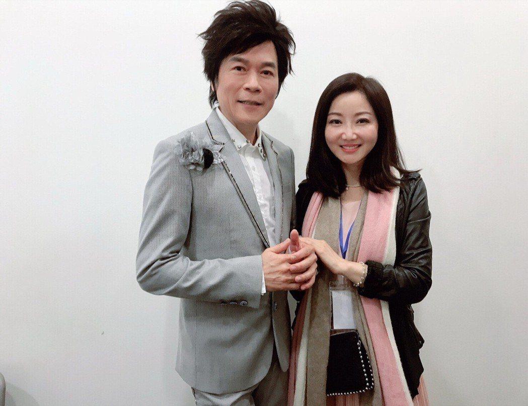 洪榮宏(左)、張瀞云夫婦於公於私均是愛相隨。圖/宏遠音樂提供