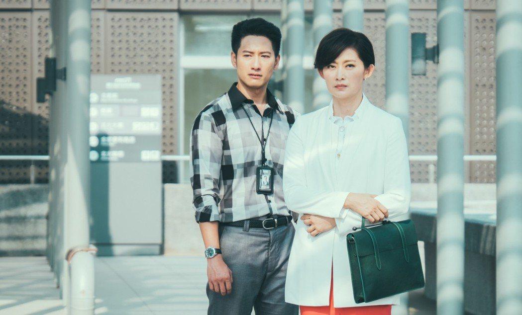 周孝安和劉瑞琪演母子。圖/中視提供