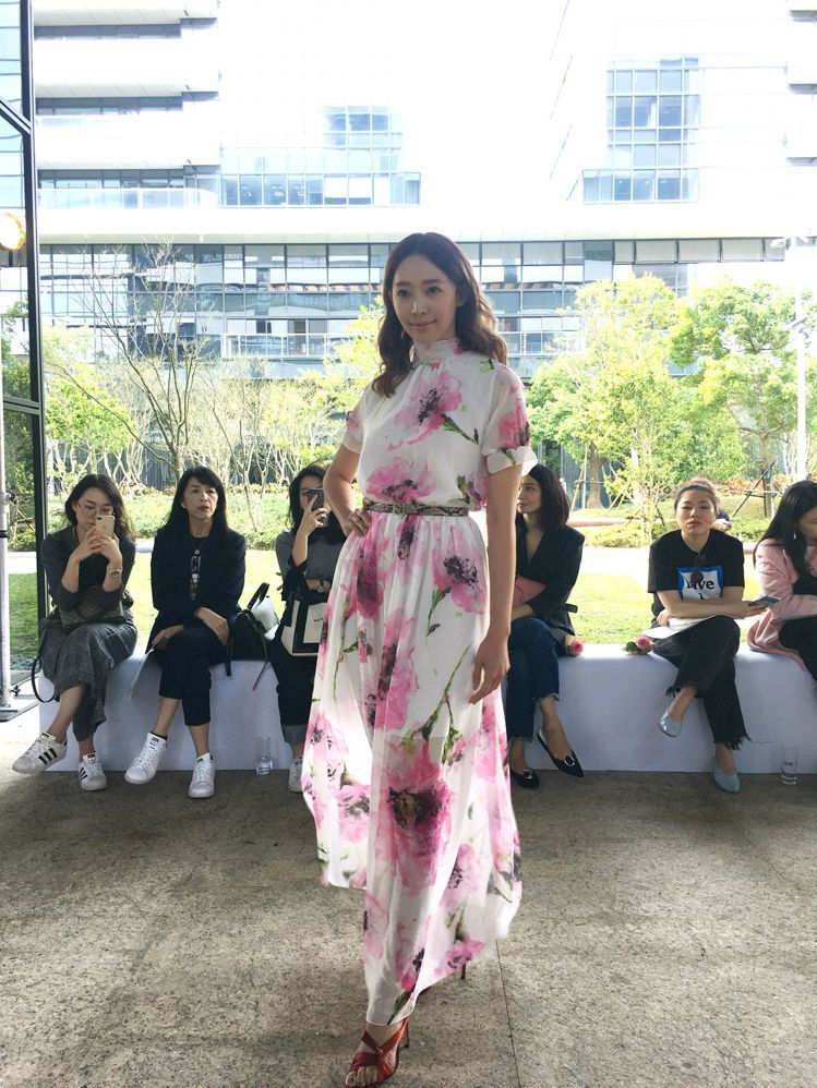 王心恬展演Blumarine春夏新裝。記者吳曉涵/攝影