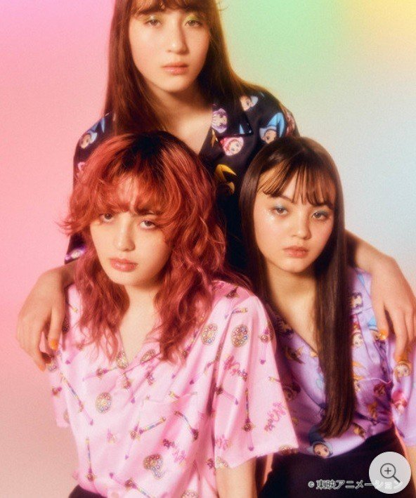 日本服飾品牌W♡C推出《小魔女DoReMi》商品。圖/摘自ZOZO