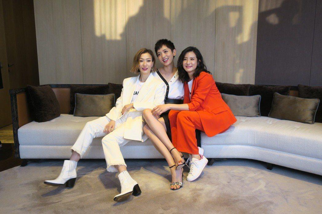 鄭秀文(左起)、李曉峰、賴雅妍「花椒之味」扮演3姊妹。記者蘇詠智/攝影