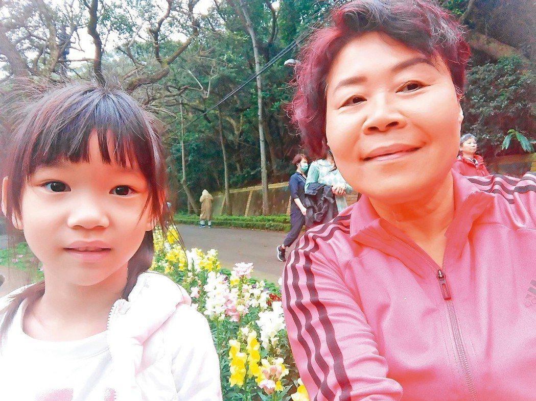 住在新竹市的市民非常幸福,因為在都市叢林旁有一座市民的後花園。它並不是山,是稍微...