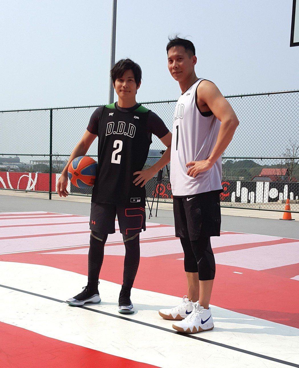 孫協志(左)和顏行書合體。記者林怡秀/攝影