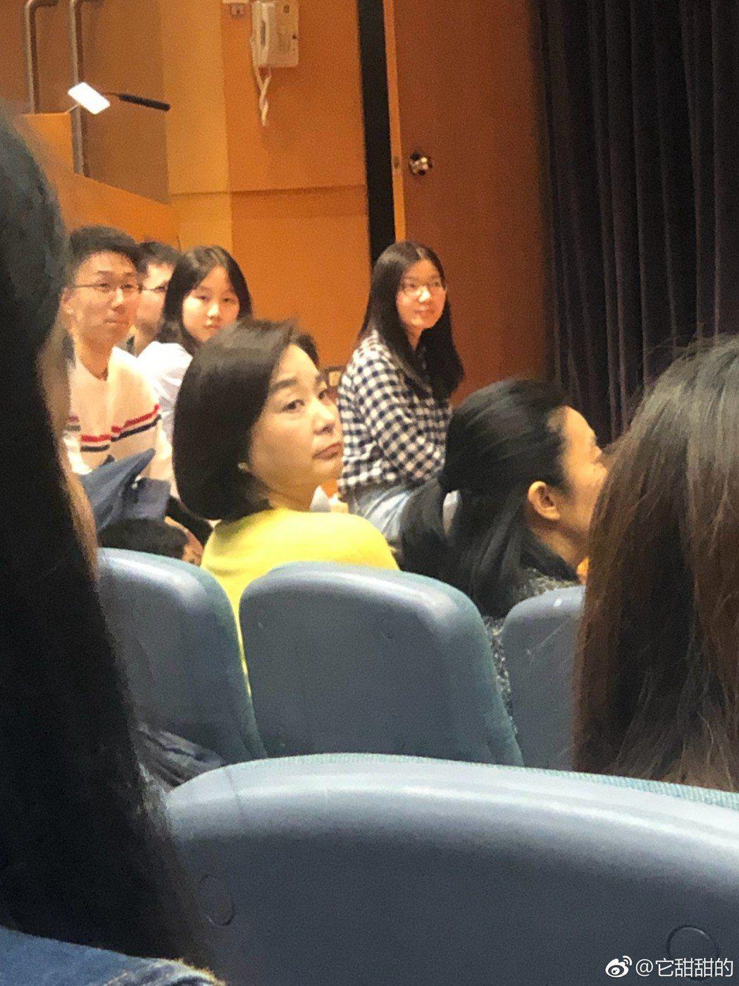 林青霞被大學生捕獲。圖/摘自微博