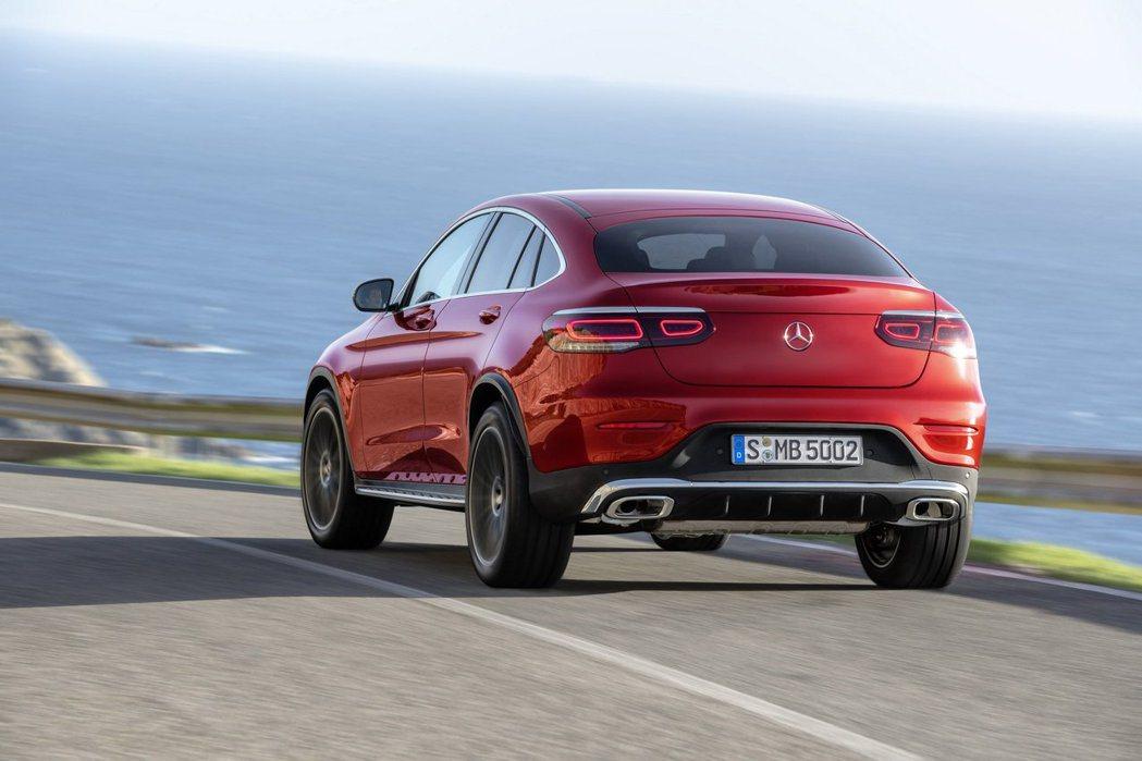小改款Mercedes-Benz GLC Coupe今日(20)於官網上搶先亮相...