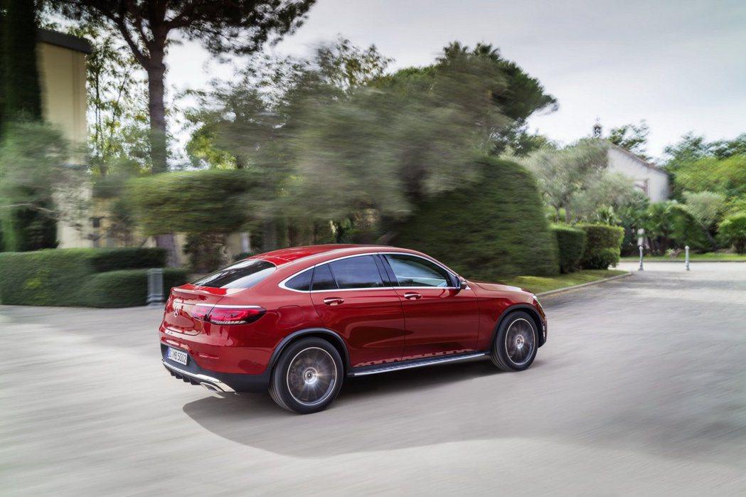 小改款Mercedes-Benz GLC Coupe提供兩種汽油與三種柴油動力。...