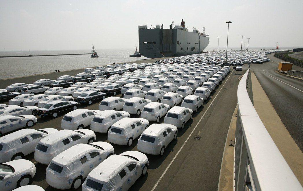 德國出口商品也因為國內單位勞動力成本下降而強化了商品的出口競爭力。圖為在德國埃姆...