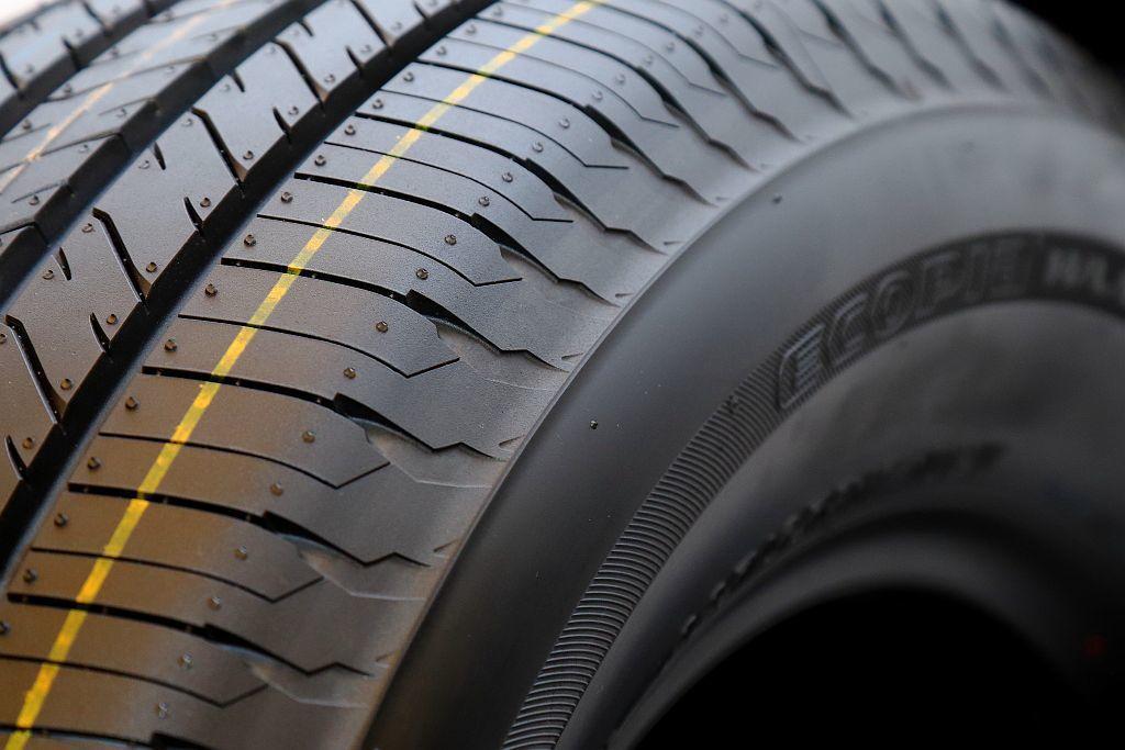普利司通ECOPIA H/L001透過先進的倒角設計有效避免胎塊產生變形,保持輪...