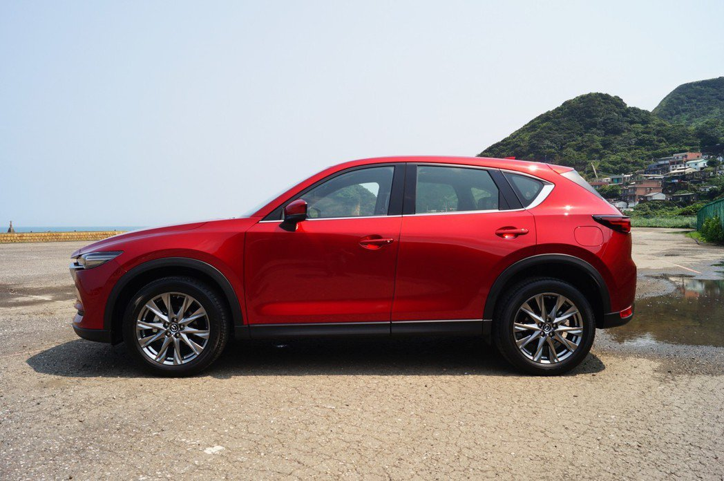 Mazda CX-5的車身明顯要小了一號。 記者趙駿宏/攝影