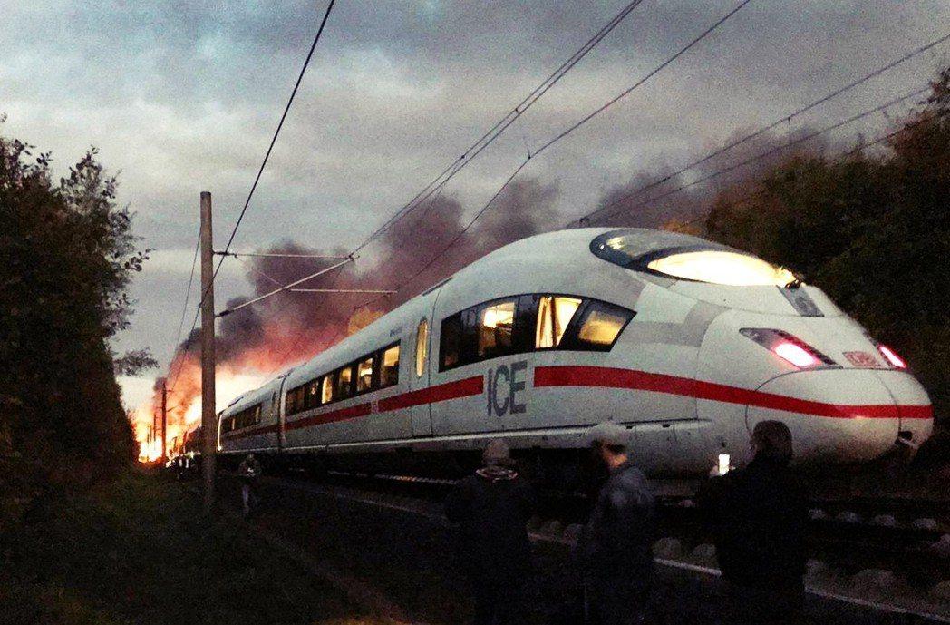 德國人曾經驕傲但現在惡評不斷的德鐵註2對鐵路建設的人均投資額,都還要低於瑞士、奧...