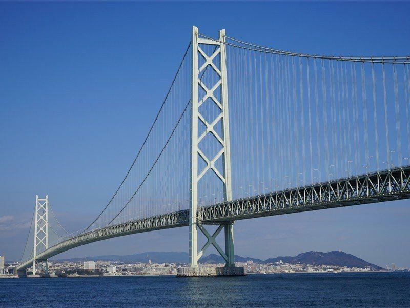 日本明石海峽大橋是世界上跨距最大的橋樑及吊橋。照片來源/本四高速公司網站