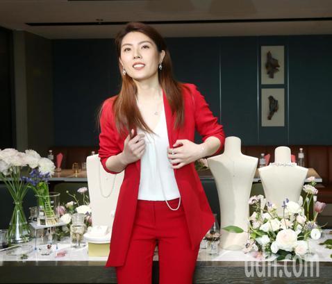理科太太陳映彤今出席MIKIMOTO Les Petales Place Vendome 新品發表會。