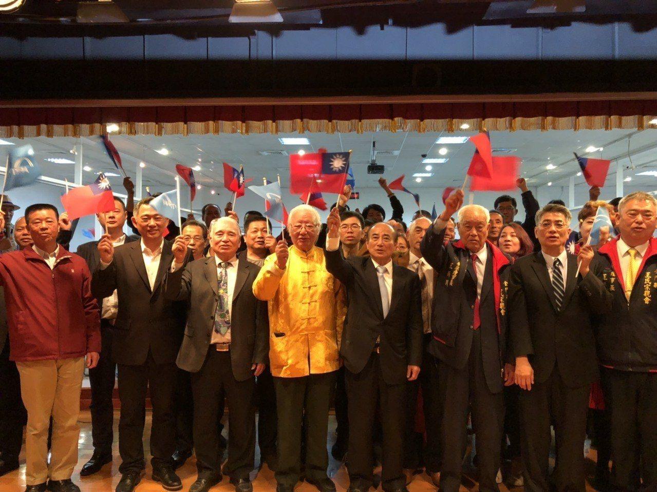 前立法院長王金平今日在金門成立國內首個「後援會」,會場湧入上千位民眾參與,讓王金...
